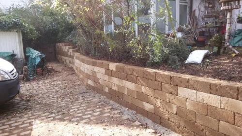 Tuffsteinmauer
